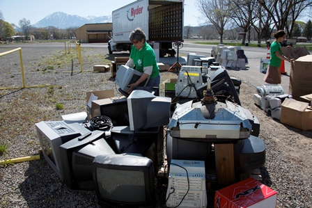 Hotchkiss Chamber Board member Elaine Brett volunteering during the E-Waste event
